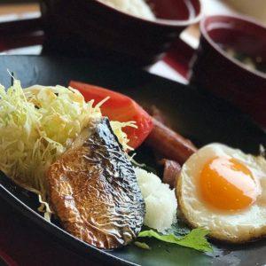 朝ごはーん、朝ごはん。今日も元気に朝ごはん♪食べるよー。