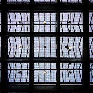 マス目状のコミセンの天井。#oppo #r11s #スマホ写真部