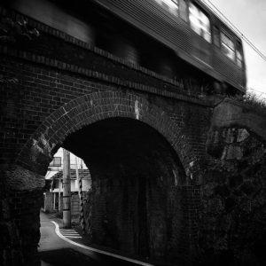 伊予鉄道煉瓦橋。コントラスト上げ目なモノクロで、退廃感を演出、してみた。#oppo #r11s #スマホ写真部