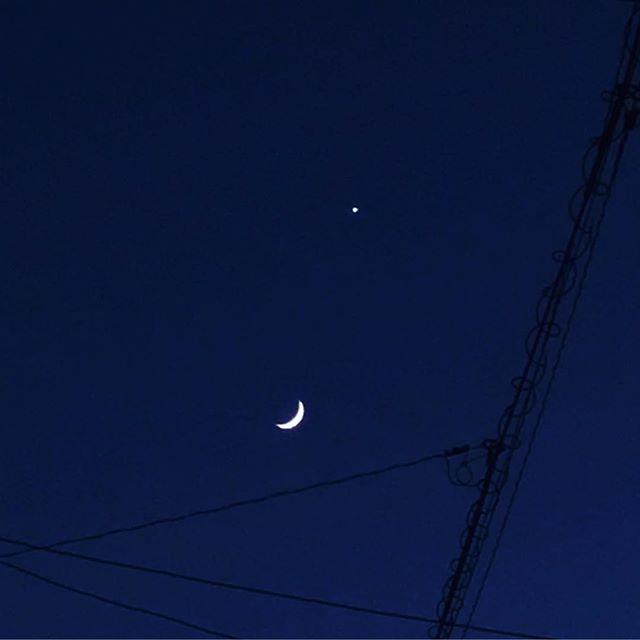 お月さまと金星。