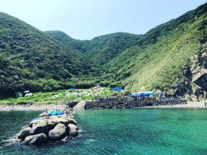 ここをキャンプ地とする!御五神島無人島キャンプのお手伝いに来ましたよ。海の風が気持ちいい〜♪