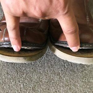 なんですとー!?靴がダブルでパカパカワニさんになってしもたー!お昼休みにボンド買って応急処置、なう。