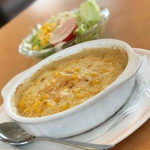 今日の朝食はジョイフルでモーニングコーンドリア!ハフハフ、熱々。ネコジタには辛いっすーww でもんまいっ。