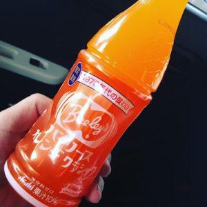 懐かしのバヤリースオレンジ。の、オリジナル復刻版!70年代の味わいが、今、蘇ったー!ダイソーで!