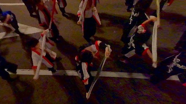 ロープウェイ街での土曜夜市。一足お先に松山の野球拳踊りを見れました。企業連やダンスチームなどの合同演舞、面白かったぁ!新規導入のInsta360EVOで撮影した全天球動画から、フレーミングを自由にしてみるテスト。