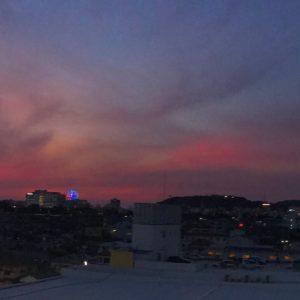 なかなかドラマティックな色合いだった、夕焼け空。3/3