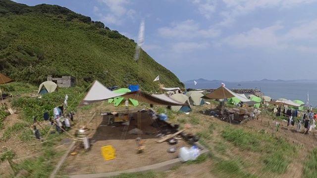 御五神島無人島体験のテント村の様子。全天球動画からアングル切り出して動画にしてみました。これでテント村の景色、わかるかな?