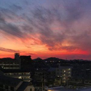 なかなかドラマティックな色合いだった、夕焼け空。2/3