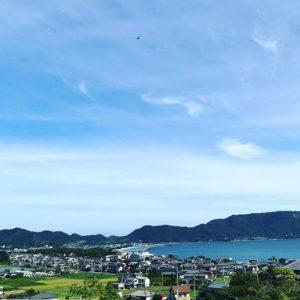 朝早くから淡路島へ向けて爆走中、なう。津田の松原SAからあと100km弱、ですだ。