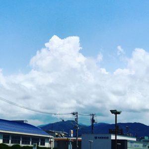 入道雲、モックモクと成長中。