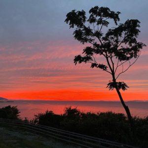 双海の夕焼け!今日の夕焼けはスゴい!紅くて美しいっ!