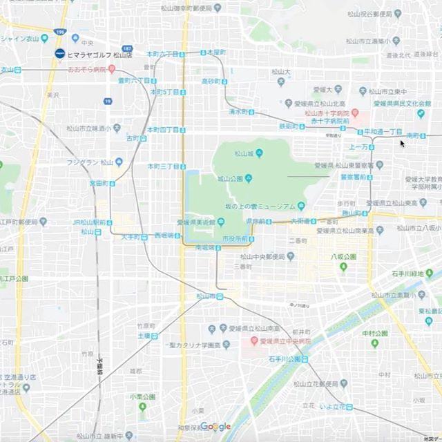 Mac/PCのブラウザーでGoogle Maps見ててどんどんズームアウトしたらこんなになった!平面地図から球体図へシームレスに変化するって、知ってた?ちなみにスマホアプリは対応してないみたい。