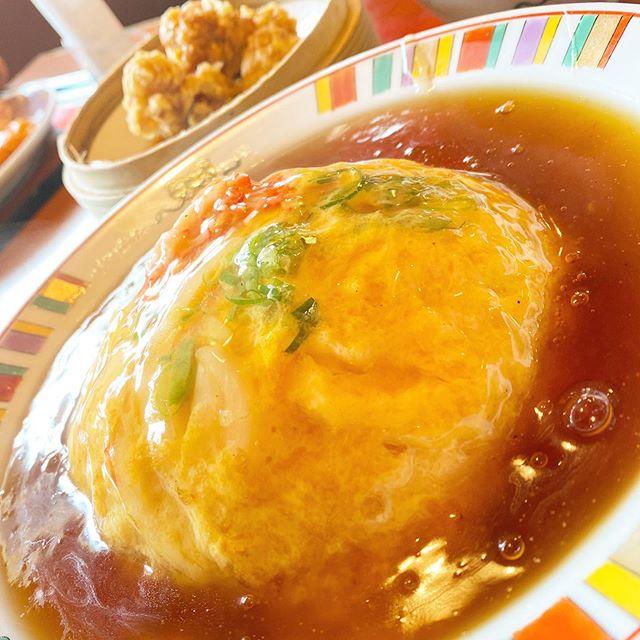 ちょっと遅めのランチ。久々にすけろくで、天津飯と鶏唐な日替わりメニュー。美味しゅうございました。