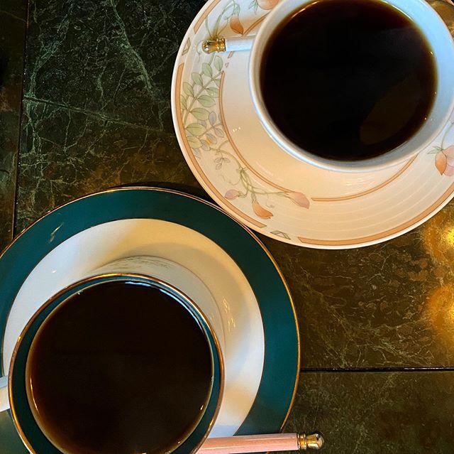 お気に入りの喫茶店「天秤」に久々に訪問。相変わらず珈琲がうまいっ!そして、ピザトーストも美味っ!マスター、頑張ってお店を続けてね。また来ます。